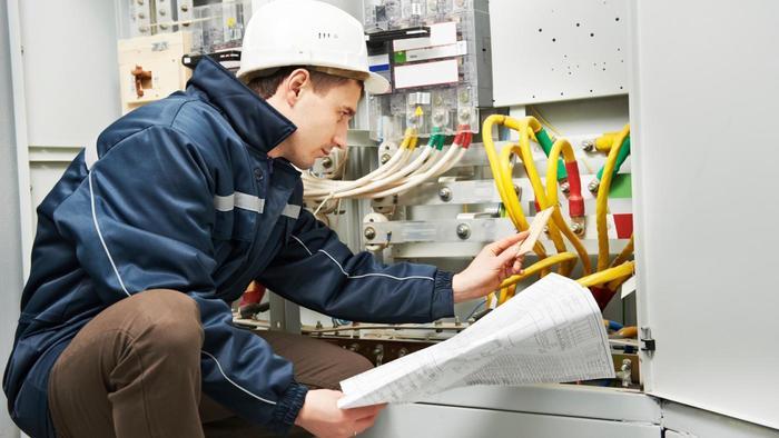 average-wage-master-electrician_7bd2e86967df6f14_LiBi9TI_TKeT4aY4_EKjNQ